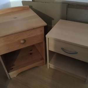 For sale: 2 bedside cabinets - €10